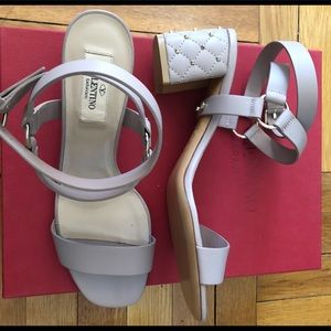 NEW Valentino Rockstud Shoes Gray Leather w/ box